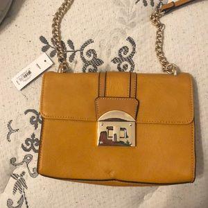 brand new apt.9 small purse